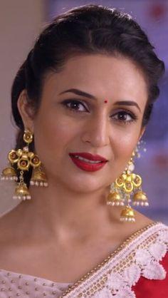 Beautiful Lips, Beautiful Girl Indian, Indian Natural Beauty, Asian Beauty, Tv Actress Images, Photos Of Lord Shiva, Glamorous Makeup, Bollywood Actress Hot Photos, Cute Faces