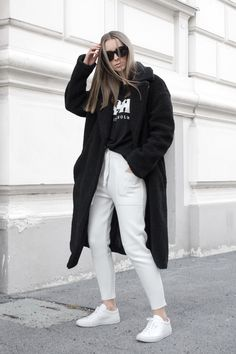 The Big Collar Teddy Coat by NA-KD Trend features a coat in a trendy teddy material, two slant pockets and front snap closure. Checkered Trousers, Mom Wardrobe, Teddy Coat, Jean Outfits, Latest Trends, Normcore, Sweatpants, Clothes For Women