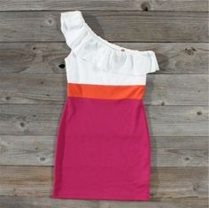I love color block dresses :)