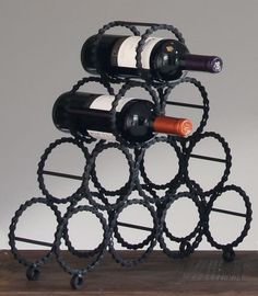 Stojak na wino metalowyna 10 butelek