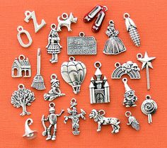 Deluxe Wizard of Oz Charm Collection Antique  Silver Tone 23 Charms - COL297
