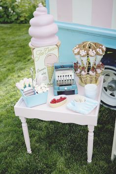 Juneberry Lane: Ice Cream Social: A Gender Reveal Surprise!!!