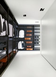 It is possible to use some choices from the many smart closet design ideas to take advantage of space in more efficient ways. Here are a few smart closet design ideas to consider when designing a closet for your home. Walk In Closet Design, Wardrobe Design, Closet Designs, Smart Closet, Men Closet, Beautiful Closets, Beautiful Home Designs, Luxury Homes Dream Houses, Luxury Closet