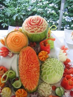 Beautiful designs made from fruits and vegetables