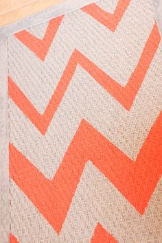 Chevron Rug, coral stripes in larger increments