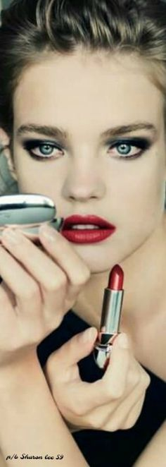 Improving upon perfection. (Natalia Vodianova for Guerlain& Fall 2011 makeup collection) Beauty Make-up, Beauty And Fashion, Beauty Hacks, Hair Beauty, Beauty Secrets, Style Fashion, Beauty Tips, High Fashion, Natalia Vodianova