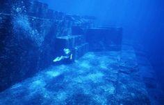 cidade submersa de Yonaguni, Japão
