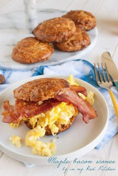 Maple Bacon Scones | Serve the maple bacon scones with scrambled eggs & extra bacon and you have a brunch worthy Easter dish!