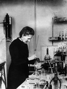 a biography of marie curie a polish physicist chemist and nobel prize winner Marie curie was a polish physicist and chemist famous for her work on radioactivity and twice a winner of the nobel prize  curie was a polish physicist and .