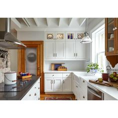 Kitchen Cabinets To Ceiling, White Shaker Kitchen Cabinets, Solid Wood Kitchen Cabinets, Solid Wood Kitchens, Kitchen Cabinet Design, Kitchen Decor, Kitchen Ideas, Kitchen Soffit, 10x10 Kitchen