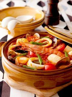 食卓を華やかに♡具だくさんの南イタリア風鍋焼きうどんレシピ