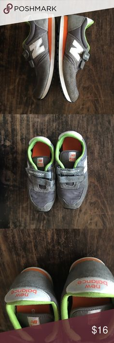 Kids New Balance 420 Size 1. Classic new balance. These shoes Have been well loved. Good used condition. Would be great play shoes!! New Balance Shoes