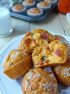 Gurmanska proja Kiflice Recipe, Healthy Muffins, Garlic Bread, Food Photo, Cake Recipes, French Toast, Oatmeal, Recipies, Pizza
