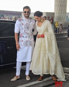 Mumbai: Ranveer Singh and Deepika Padukone leaves for their de reception in Bengaluru - Social News XYZ 13 Wedding Kurta For Men, Wedding Dresses Men Indian, Indian Wedding Wear, Wedding Dress Men, Punjabi Wedding, Indian Weddings, Wedding Suits, Wedding Attire, Wedding Couples
