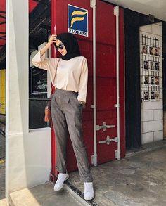 Modern Hijab Fashion, Hijab Fashion Inspiration, Muslim Fashion, Casual Hijab Outfit, Casual Outfits, Cute Outfits, Fashion Outfits, Ootd Hijab, Retro Outfits