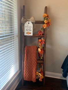Fall Room Decor, Seasonal Decor, Fall Decorations, Fall Living Room, Autumn Home, Ladder Decor, Farmhouse Decor, Diy Home Decor, Diy Blanket Ladder