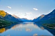 waterton lakes national park, canada | waterton lakes national park borders glacier national park in montana
