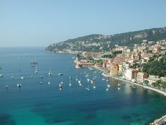 Mediterranean! Freankin' glorious! This little chunk is in Nice, France on the French Riviera - I hope I got the naming right, and I don't sound too much like a tourist.