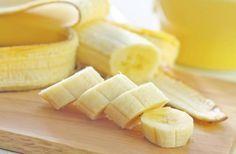 Pourquoi vous devriez commencer votre journée avec une banane et un verre d'eau chaude