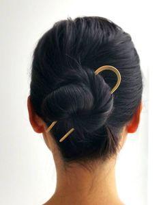 A sleek brass hair pin to make your fancy bun the center of attention. 26 Pieces Of Minimalist Jewelry As Beautiful As They Are Simple Hair Inspo, Hair Inspiration, Bun Pins, Cute Buns, Hair Sticks, Hair Dos, Hair In A Bun, Long Hair Buns, Short Hair