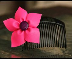 Pony & Tails Pretty Pink Flower Comb