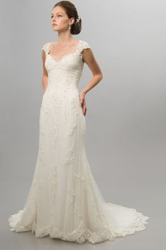 A-Line Sweetheart Neckline Cap Sleeves with Empire Waist Lace Appliques and Zipper Tulle Wedding Dress