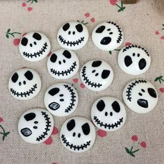 Flat Back Resin Cabochon Skeleton For Halloween DIY Flatback Embellishm. Flat Back Resin Cabochon Skeleton For Halloween DIY Flatback Embellishment Accessories Scr Plat Halloween, Theme Halloween, Halloween Rocks, Halloween Tags, Scary Halloween, Halloween Decorations, Halloween Movies, Happy Halloween, Kids Crafts