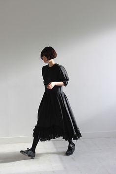 (Comme des Garcons)sheer princess dress Harajuku Fashion, Japan Fashion, Dark Fashion, Fashion Beauty, Fashion Fashion, Looks Dark, Fashion Photography Inspiration, Comme Des Garcons, Facon