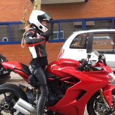 First ride in new helmet dance. Girl Riding Motorcycle, Women Riding Motorcycles, Motorcycle Helmet Design, Female Motorcycle Riders, Womens Motorcycle Helmets, Dirt Bike Girl, Motorbike Girl, Cool Motorcycles, Lady Biker