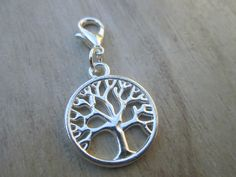 Tree Of Life On Lobster Clasps Party Favors por ThePeapodShop