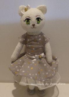 Kamilla cica szürke ruhában (DobisMaria) - Meska.hu