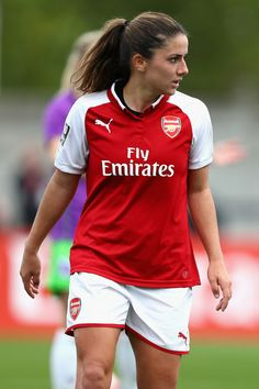 Danielle van de Donk Photos - Danielle Van De Donk looks on during the Women's Super League 1 match between Arsenal and Bristol City at Meadow Park, Boreham Wood on October 2017 in London, United Kingdom. - Arsenal v Bristol City - Women's Super League 1 Girls Football Boots, Soccer Girls, Women's Football, Surf Girls, Female Football Player, Football Players, Arsenal Football, Arsenal Fc, Arsenal Women