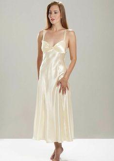 Satin Underwear, Satin Lingerie, Stockings Lingerie, Lingerie Dress, Pretty Lingerie, Bridal Lingerie, Beautiful Lingerie, Pyjama Satin, Satin Nightie
