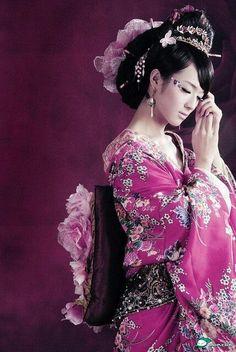 Geisha (Visita il nostro sito templedusavoir.org)