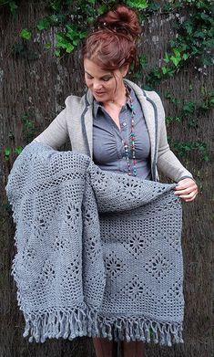 Crochet granny square pillow pattern baby blankets New Ideas Crochet Cushions, Crochet Quilt, Crochet Home, Love Crochet, Crochet Granny, Baby Blanket Crochet, Beautiful Crochet, Hand Crochet, Crochet Baby