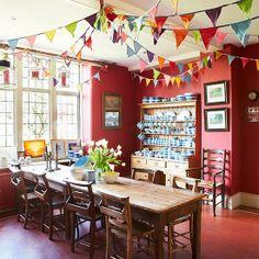 Bohemian dining fun / A Home in England