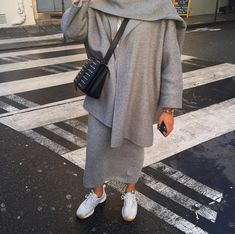 Pinterest: @adarkurdish Modest Fashion Hijab, Modesty Fashion, Muslim Fashion, Fashion Outfits, Iranian Women Fashion, India Fashion, Modest Wear, Modest Outfits, Modele Hijab