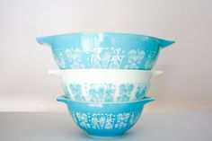 Set of 3 Vintage Amish Butter Print Turquoise Pyrex by omNoms, $54.00