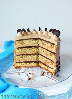 Banana sponge cake with dark chocolate ganache and swiss buttercream Nutella filling - this cake is so rich in flavors and textures. Banana Sponge Cake, Nutella Chocolate Cake, Mousse, Swiss Buttercream, Sweets Recipes, Desserts, Chocolate Festival, Pastry Cake, Recipe For Mom