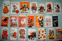 Atomic Ranch House: Vintage Mid-Century Halloween Trick or Treat Bags Retro Halloween, Vintage Halloween Decorations, Halloween Items, Halloween Fashion, Halloween Skull, Halloween Candy, Spirit Halloween, Holidays Halloween, Halloween Crafts