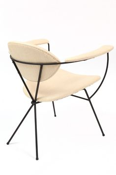 The Best Drugstore Makeup Ever! Retro Furniture, Furniture Design, Wrought Iron Chairs, Love Chair, Single Chair, Mid Century Chair, Lounge Seating, Occasional Chairs, Furniture Inspiration