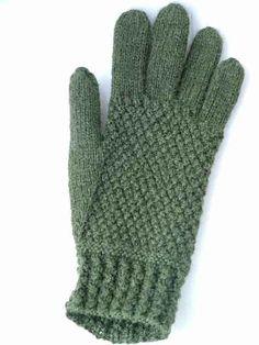 Free+Knitting+Pattern+-+Adult+Gloves+&+Mittens:+Gansey+Gloves