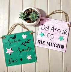 cuadros cuadritos carteles vintage decorativos Diy Wood Projects, Projects To Try, Garden Plaques, Decoupage, Diy And Crafts, Lettering, Christmas Ornaments, Holiday Decor, Creative
