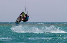 """Woman in Action"" kite camp in 3 weeks time in Hurghada. Beginners and up via Ibi&Friends #kitesurfing #kiteboarding #kitecamp #coaching #travel #egypt #hurghada - ActionTripGuru.com"