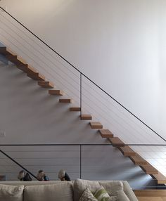 blog.keijidesign.com Modern Stair Railing, Cantilever Stairs, Staircase Handrail, Balcony Railing Design, Open Staircase, Modern Stairs, Staircase Design, Exterior Handrail, Casa Patio