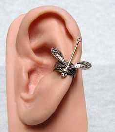 Forest Dragonfly Ear cuff from ranaway on Etsy. Saved to ear cuff. Shop more products from ranaway on Etsy on Wanelo. Jewelry Box, Silver Jewelry, Vintage Jewelry, Jewelry Accessories, Jewelry Making, Unique Jewelry, Silver Earrings, Jewlery, Dragonfly Jewelry