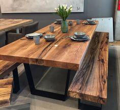 Esstisch / Massivholztisch aus Eichenholz-Altholz / Tischgestell in Trapezform | Holzwerk-Hamburg