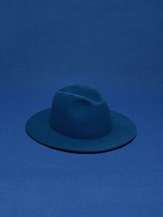 Blue hat   Via:That Kind Of Woman