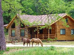 """Vacation house with """"Billy & Boots"""" (ranch quarter horses) - Brazos Bluffs Ranch to Horseback Ride, Canoe+++! Cabana, Log Cabin Homes, Log Cabins, Texas Hill Country, Country Life, Country Living, Mountain Homes, Cabins And Cottages, Gardens"""