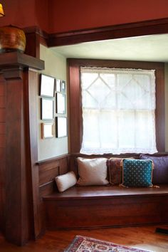 Original millwork in a 1908 Prairie-style house includes this window seat in a b. - Craftsman Home Prairie Style Houses, Interior Design Boards, Interior Designing, Interior Paint, Arts And Crafts House, Craft House, European Home Decor, Design Blogs, Design Ideas